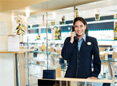 Challenges in the work life of front office executives of hotels