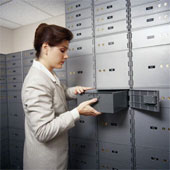 women working in bank